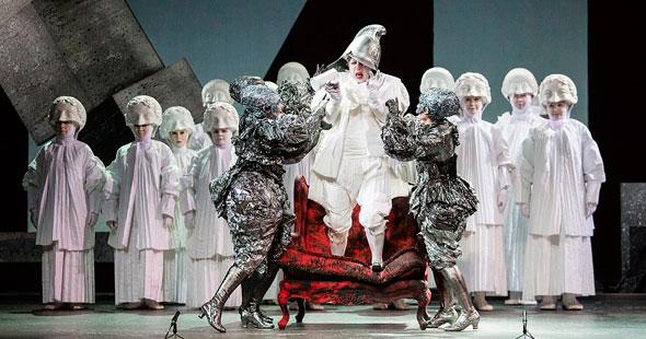 Старая опера на новый лад