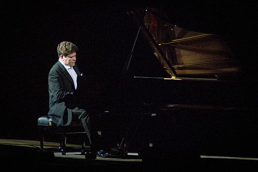 Денис Мацуев презентовал в Ульяновске новый рояль Steinway