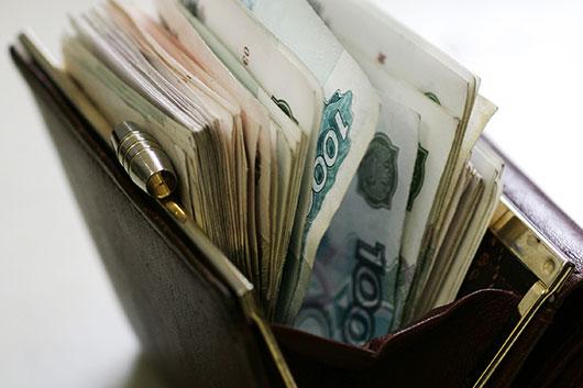 Зарплаты руководства российских театров просят проверить