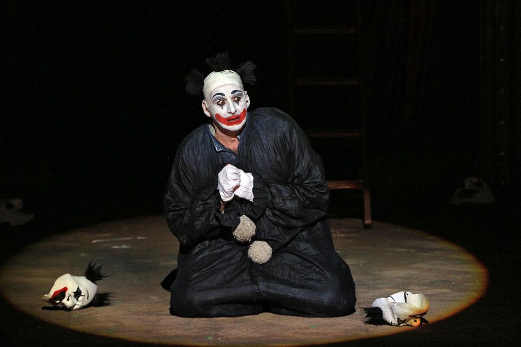 Цирк ненависти и любви