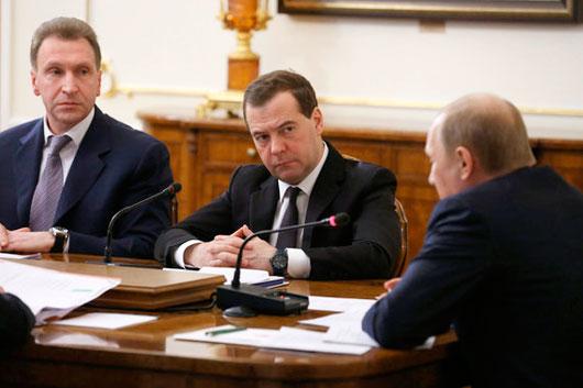 Путин поручил правительству заняться авторскими правами