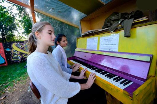 В столице состоялся фестиваль уличных пианино