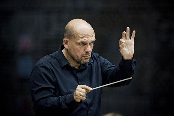 Музыкальным руководителем Нью-Йоркского филармонического оркестра в 2017 году станет Яп ван Зведен