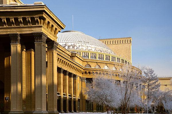 Реконструкция Новосибирского оперного театра признана незаконной