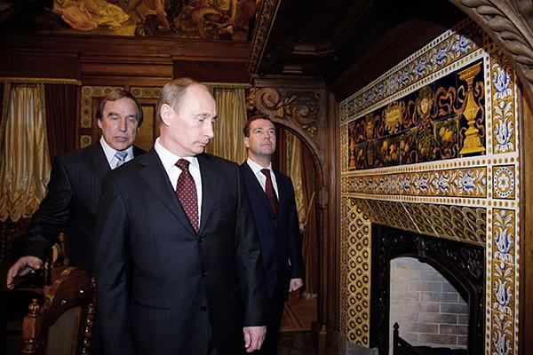 Путин прокомментировал публикации о бизнесе своего друга Сергея Ролдугина