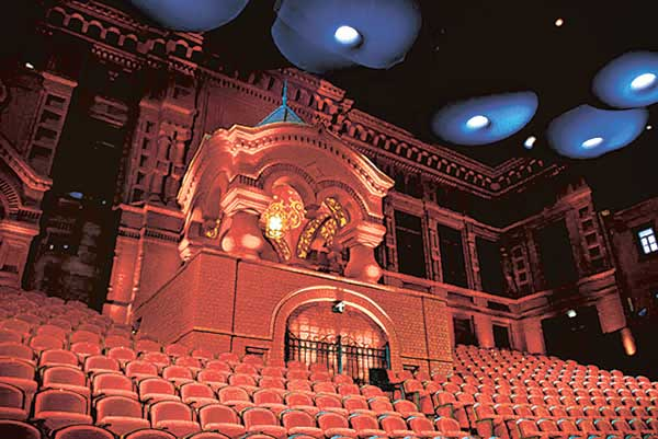 Геликон-опера объявил планы на будущий сезон
