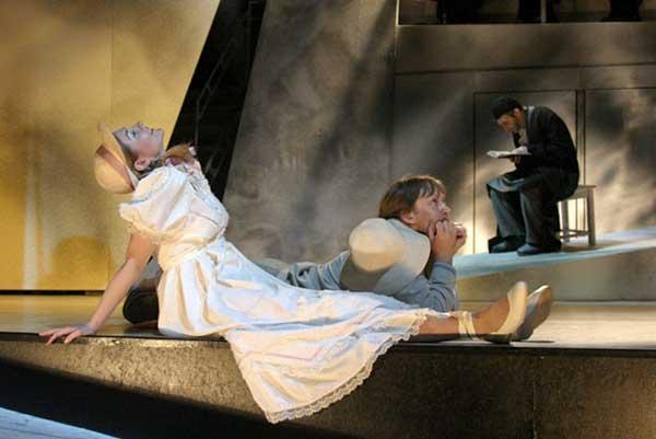 В Музыкальном театре Покровского готовятся к премьере спектакля «Мракобесы. Симфония отчаяния» по произведениям Д. Шостаковича