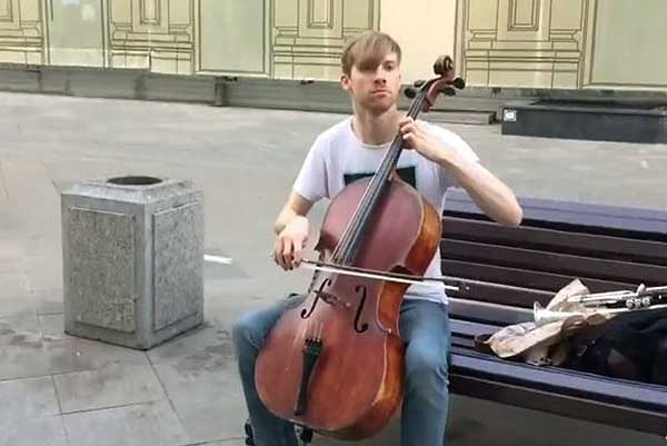 Уличные музыканты в Москве оказались вне закона