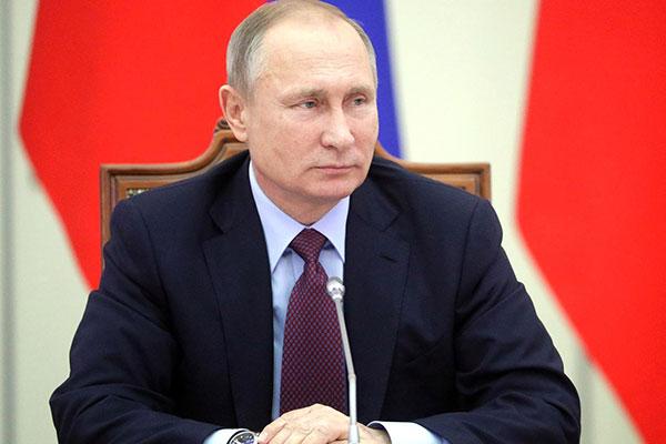 Президент провёл в Санкт-Петербурге совместное заседание Совета по культуре и искусству и Совета по русскому языку