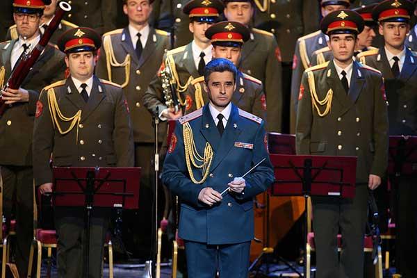 Обновленный ансамбль имени Александрова впервые вышел на сцену в Театре Российской армии