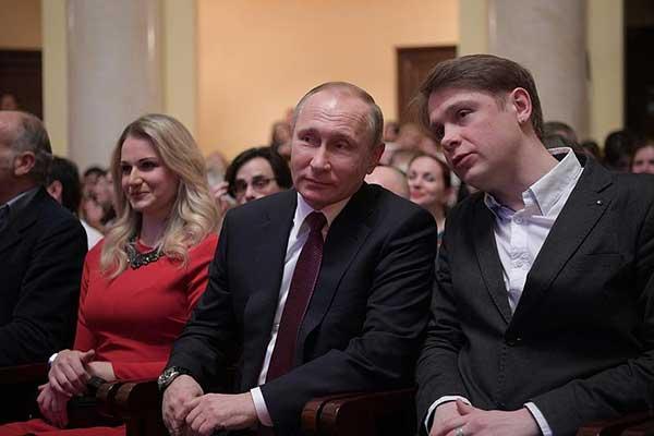 Президент России посетил открытие Международного фестиваля искусств под руководством Юрия Башмета