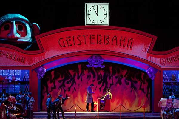 В конце апреля в Большом театре состоятся последние спектакли оперы Р. Штрауса «Кавалера розы»