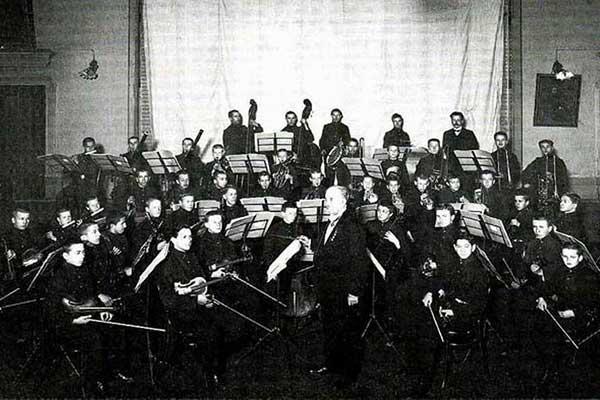 Рифма в 100 лет 1917—2017. Об оркестровых музыкантах