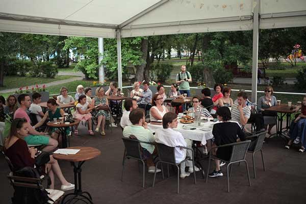 «Театральный сквер – место встречи»: новые городские форматы на Дягилевском фестивале
