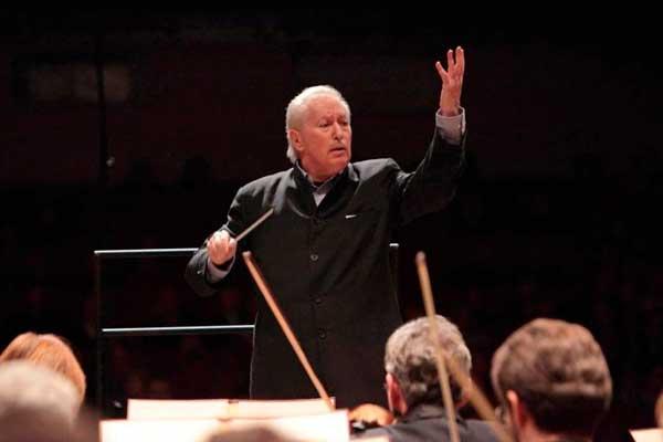 Томас Зандерлинг вступил в должность главного дирижера Новосибирского оркестра