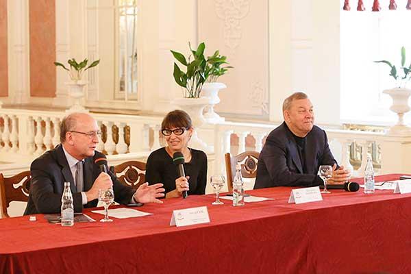Большой театр и Метрополитен-опера объявили о совместных планах и постановках