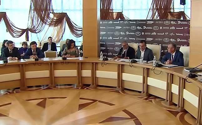 Андрей Устинов провел Круглый стол в Белгороде