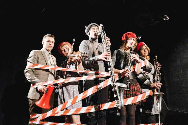 «Студия новой музыки» представляет детский спектакль «Красная шапочка» в инновационном жанре инструментального театра