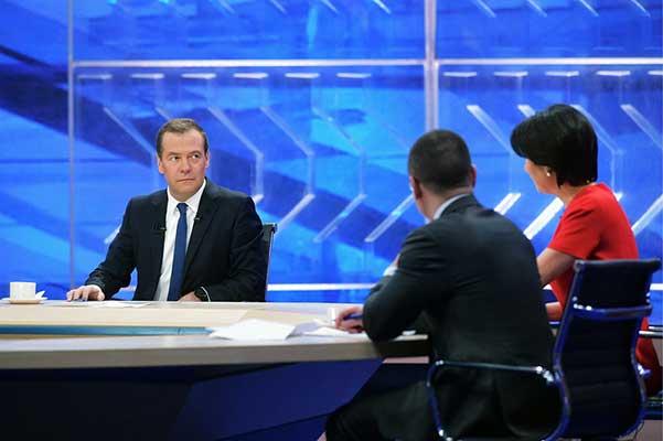 Медведев: законодательство о госзакупках применительно к творческой сфере часто дает сбои