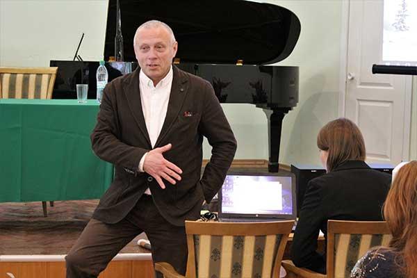 Андрей Устинов провел творческую встречу и мастер-класс в Нижегородской консерватории