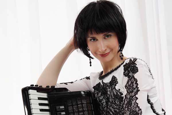 2 ноября — первый концерт абонемента «www.bayan.ru. Звезды баяна и аккордеона». Мария Власова (аккордеон). Автор и ведущий — Андрей Устинов