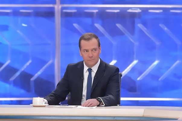 «Комментировать подобные вещи — неблагодарная история»: Медведев о деле Серебренникова