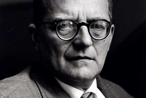 NN по фамилии Шостакович: Джулиан Барнс. «Шум времени»