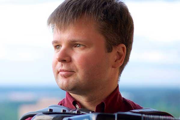 14 марта — Михаил Бурлаков (баян) с программой «Отражения» в концерте абонемента «www.баян.ru. Звезды баяна и аккордеона»