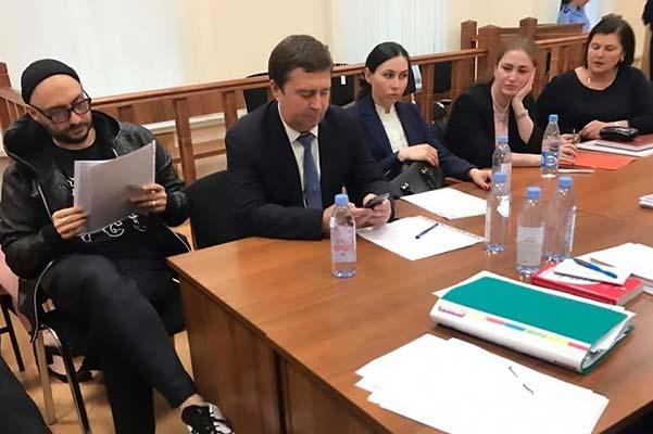 Кирилл Серебренников обратился к отцу в Басманном суде