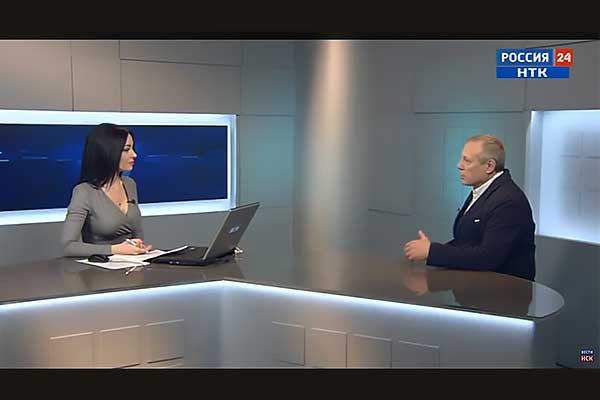 Академия Арт-журналистики: интервью с куратором Академии Андреем Устиновым (ГТРК Новосибирск, видео)