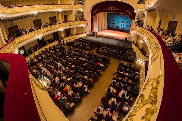 В Башкирии разрешено заполнять театры и концертные залы на 100%
