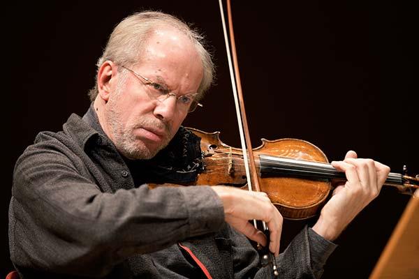 13 ноября — концерт Года Вайнберга в России в Санкт-Петербургской филармонии, солист — Гидон Кремер