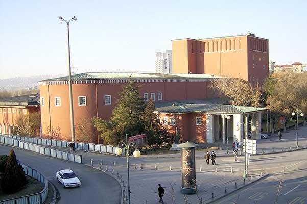 В Турции президентским указом приостановлена деятельность всех государственных театров