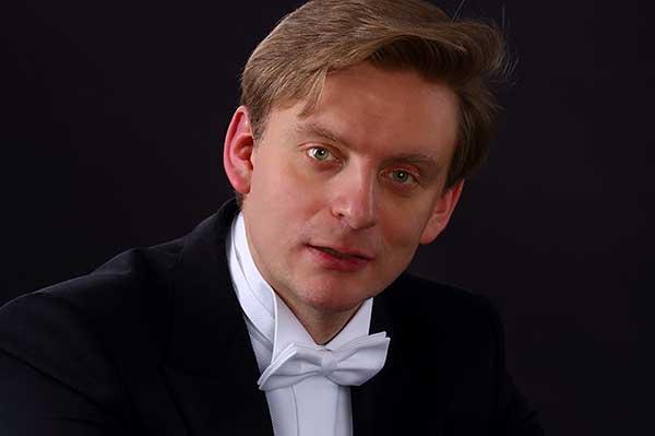 Антон Шабуров стал лауреатом первой премии Международного конкурса дирижеров в Бухаресте