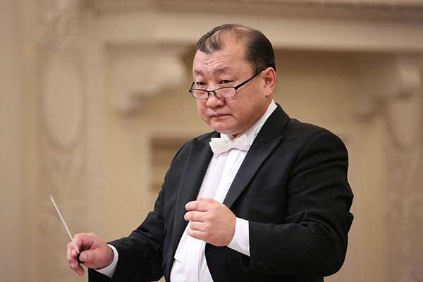 Энхэ возглавил симфонический оркестр Саратовской филармонии