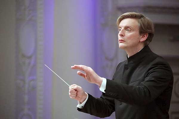 Антон Шабуров: «Дирижёр не может замыкаться на музыке»