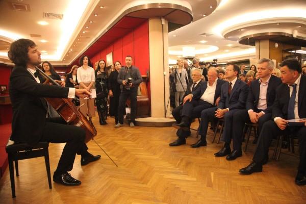 «Ночь искусств 2018» в Москве: скрипки Страдивари и премьера сочинения Маноцкова