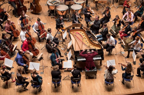 Бетховен без дирижера: «Персимфанс» в московском концертном зале «Зарядье»