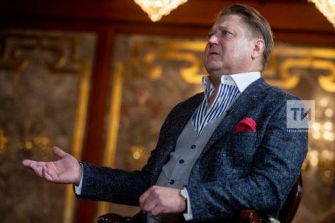 Александр Сладковский: «Я никому не обязан нравиться. Я такой, какой я есть, делаю честно свое дело, пашу как раб на галерах и получаю от этого удовольствие»