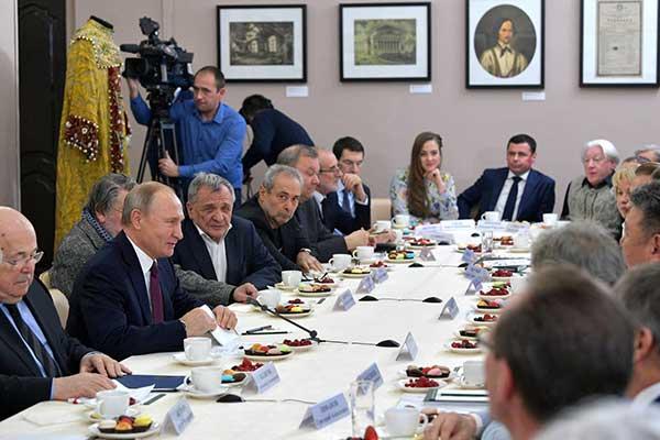 Встреча Владимира Путина с деятелями театрального искусства