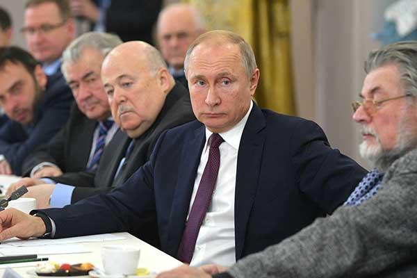 Театральные деятели обсудили с Путиным дело Серебренникова