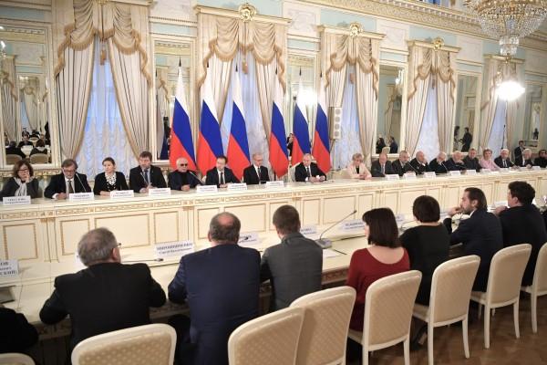 Владимир Путин провёл в Санкт-Петербурге заседание Совета по культуре и искусству