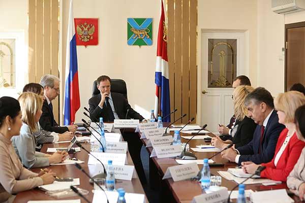 Владимир Мединский предложил расширить формат методик преподавания в школах искусств