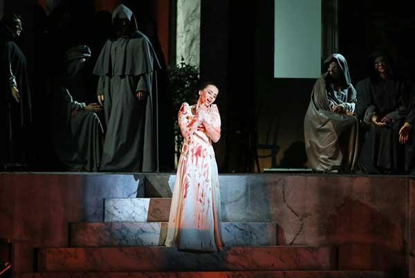 Новая постановка оперы «Лючия де Ламмермур» на сцене Мариинского театра