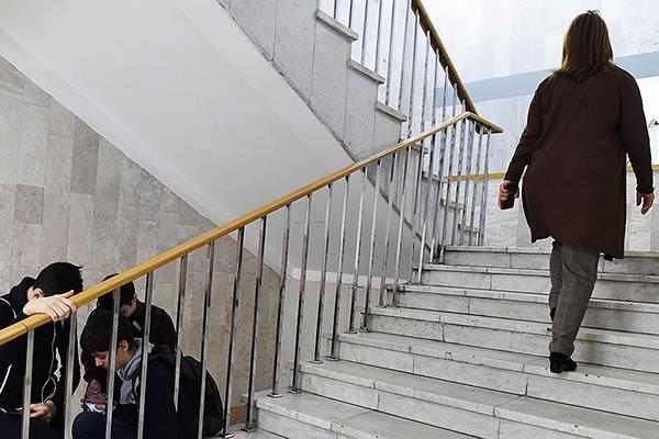 Ректоров выстроили в колонку. Социологи обнаружили 370-кратную разницу в доходах глав российских вузов
