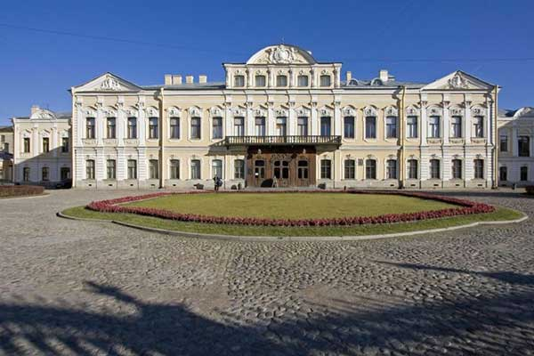 «Симфонический оркестр»: новая постоянная экспозиция Шереметевского дворца – Музея музыки в Санкт-Петербурге