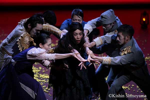 «Кармен» — спектакль в жанре драматического танца японской компании «Ноизм»