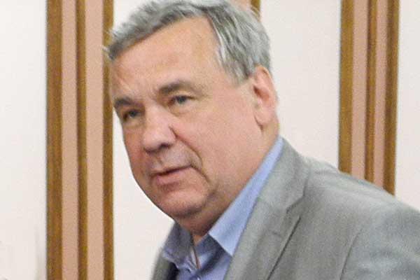 Директор Новосибирской специальной музыкальной школы (колледжа) Александр Марченко поздравляет «Музыкальное обозрение» с 30-летием