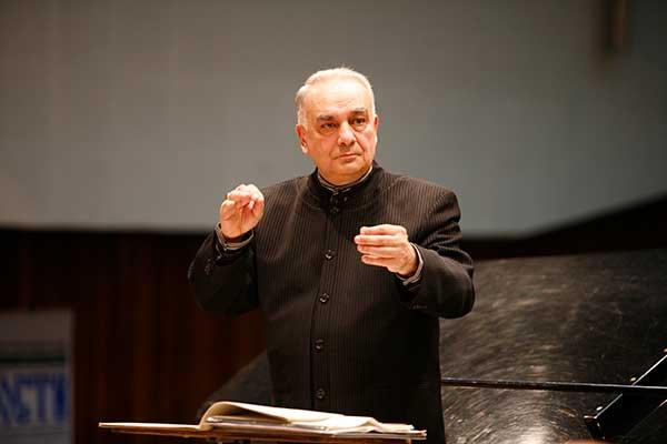 1 ноября празднует 80-летие художественный руководитель и главный дирижер Концертного духового оркестра Новосибирской филармонии Марк Абрамов