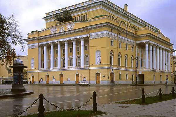 Александринский театр пожаловался на Эйфмана «общественности»